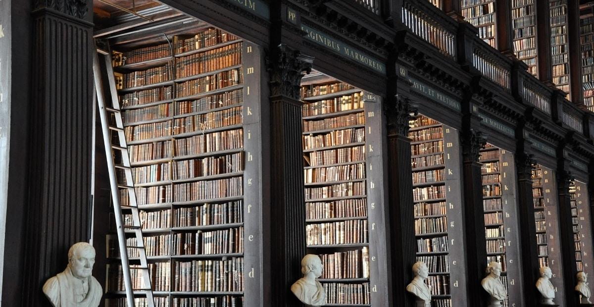 bibliothèque irlandaise - faire ses études en Irlande lycée international - international school